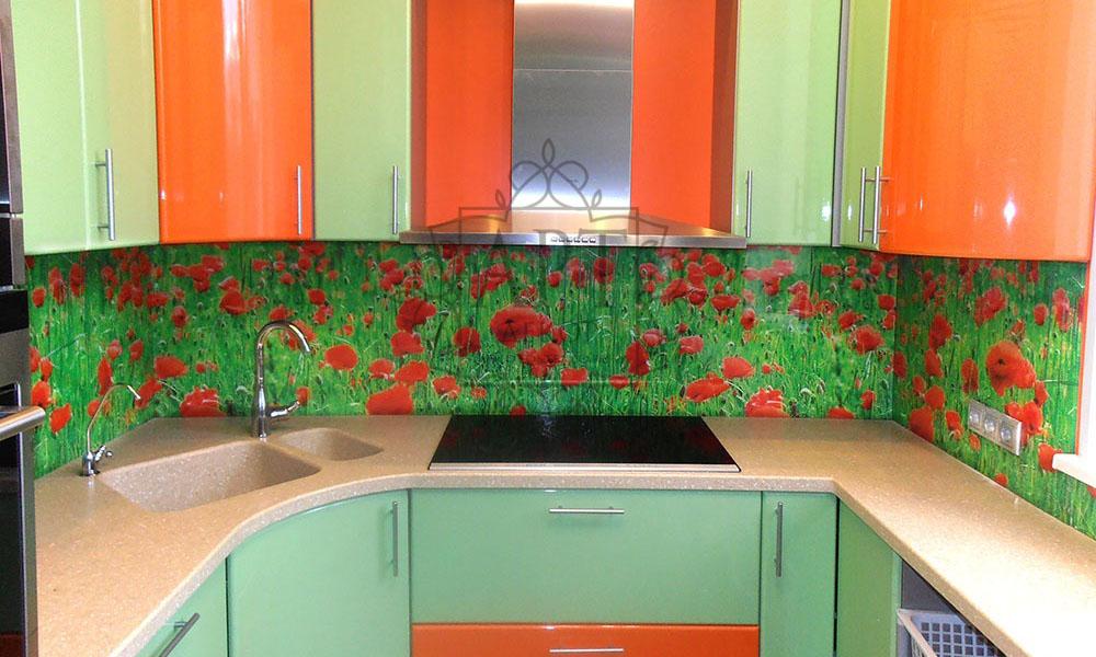 Маковое поле в оранжевой кухне