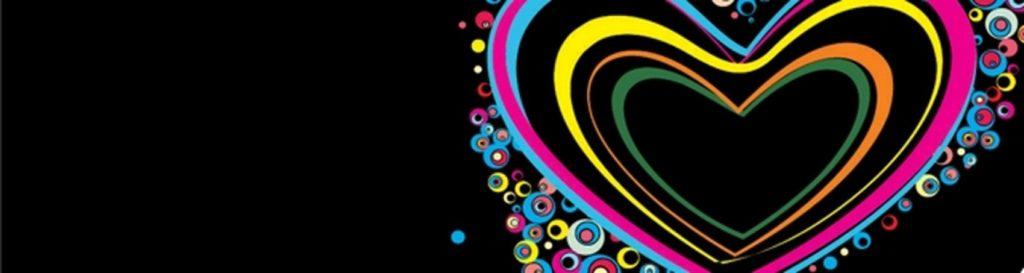 разноцветное сердце на черном фоне