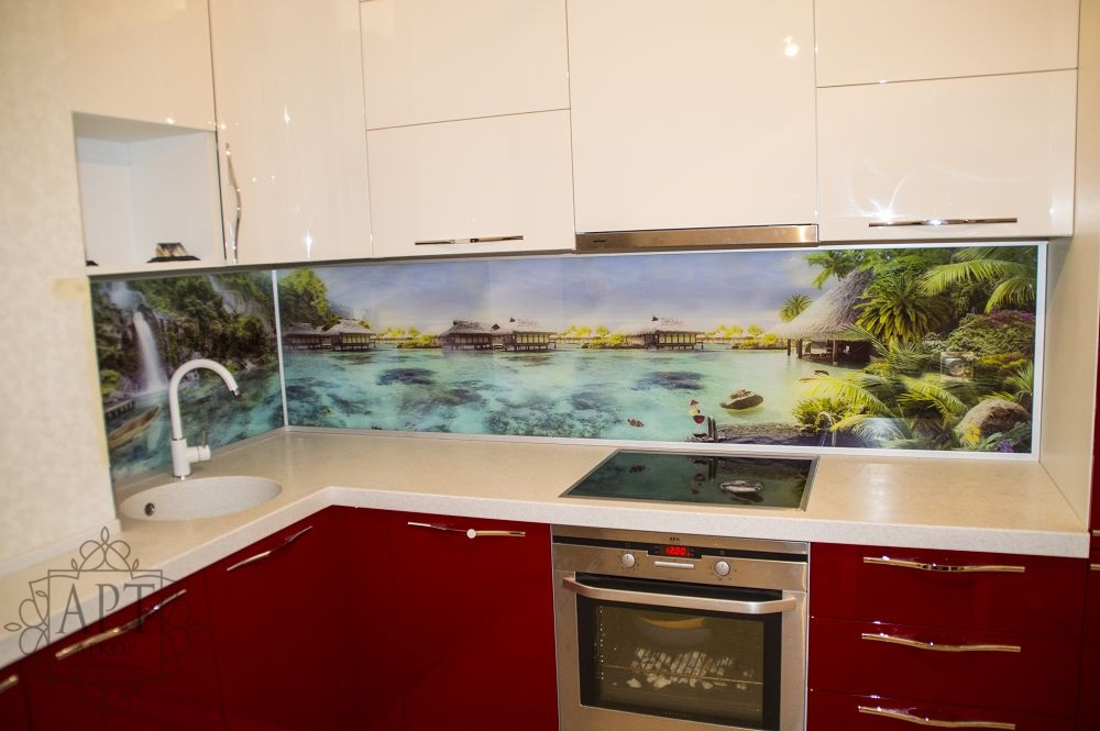 Фартук кухни Красивый берег с водопадом