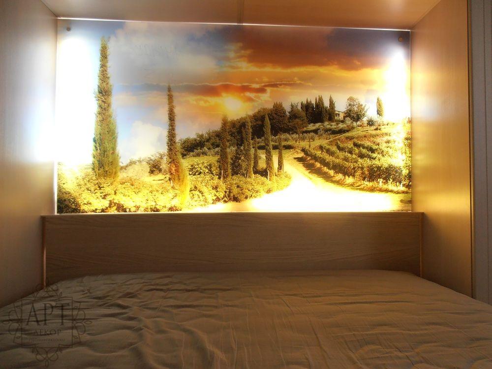 Панно с подсветкой в спальню
