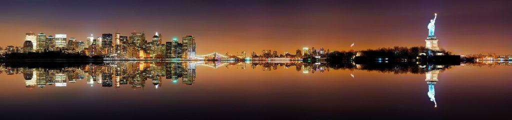 Нью-Йорк остров Свободы в ночных огнях
