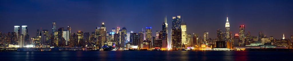 Чикаго разноцветной ночью