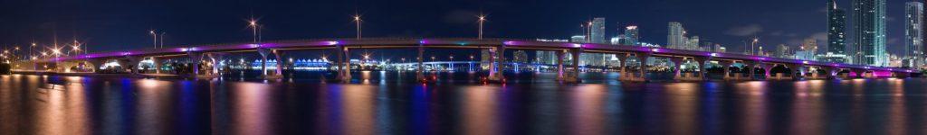 Мост в Майами ночью