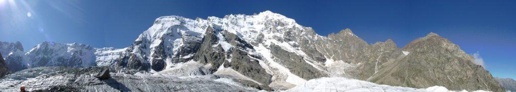заснеженная гора