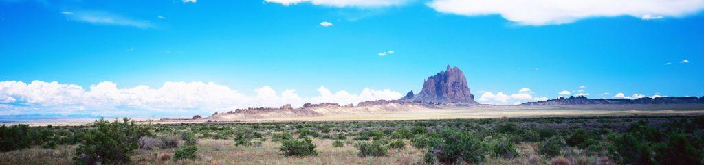гора в пустыне