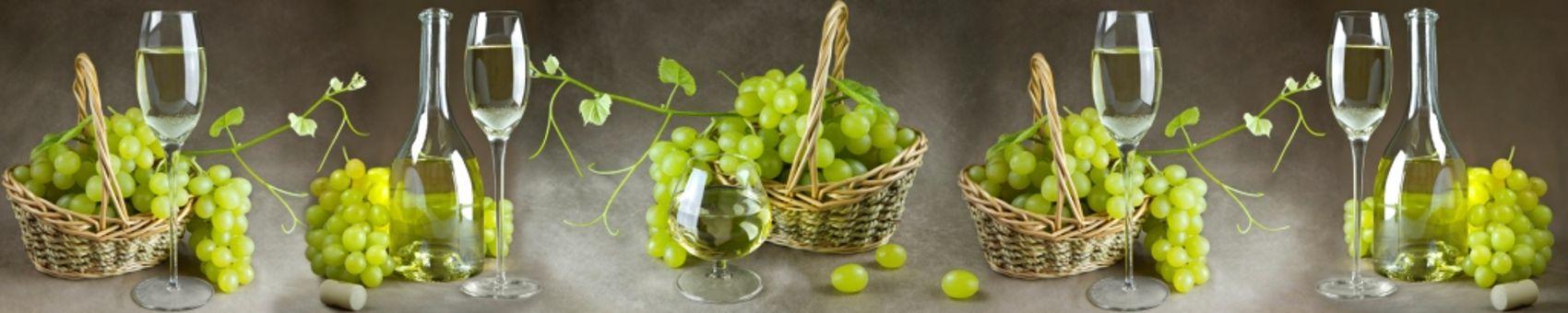 Виноград в корзинах