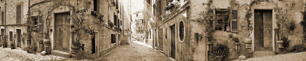 Улочки старого города в коричневых тонах