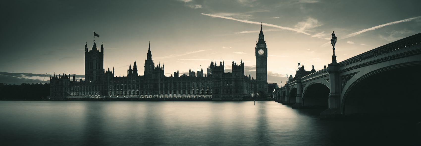 Столица и крупнейший город Соединённого Королевства Великобритании