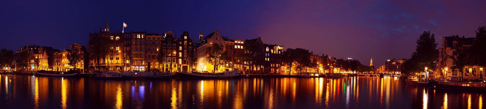 Город Амстердам ночью
