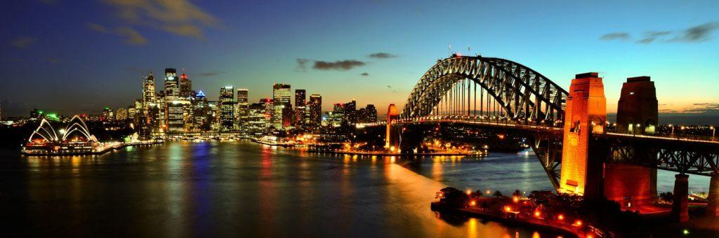 Панорама моста в Сиднее ночью