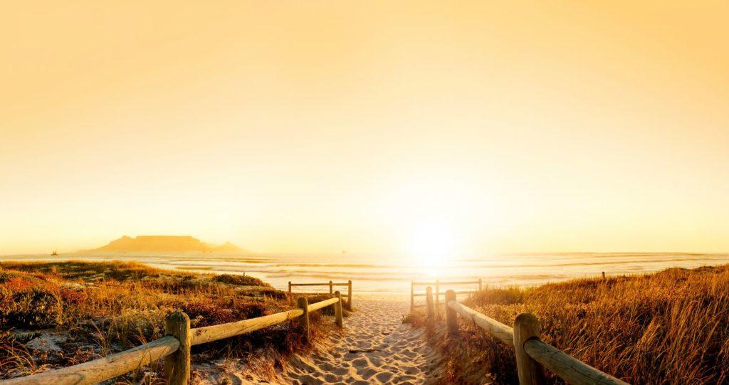 Закат на пляже Кейптауна