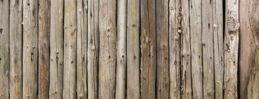 Стена деревянная